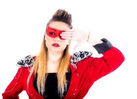 """AvA, il nuovo singolo """"Adesso il capo sono io"""" tra moombahton e sovranismo femminile"""