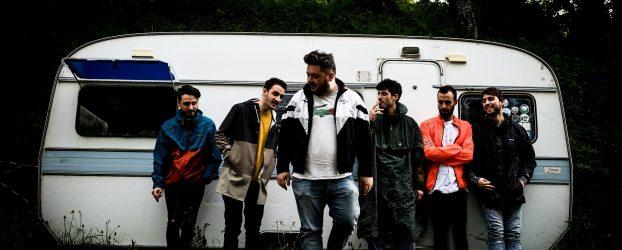 Max Penombra feat. Visioni di Cody e Moder: 'Adattatori' ironizza sulla competizione nella musica