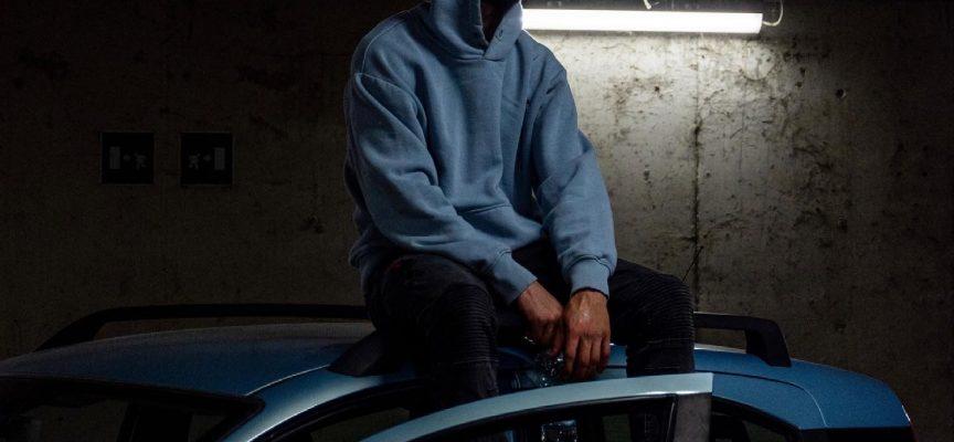"""""""Moody"""": dopo una serie di singoli, il giovane Emsa pubblica il suo disco d'esordio, insieme a PS Lab"""